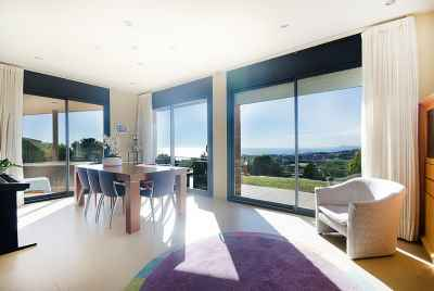 Panoramic house not far from international schools and 15 min from Barcelona